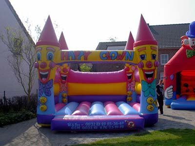 Springkasteel happy clowns huren Limburg